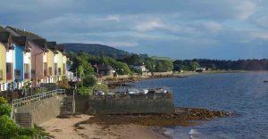 A photograph looking south along Fairlie beach